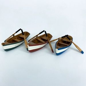 DEPARTMENT 56 Village Accessories Wooden Rowboats